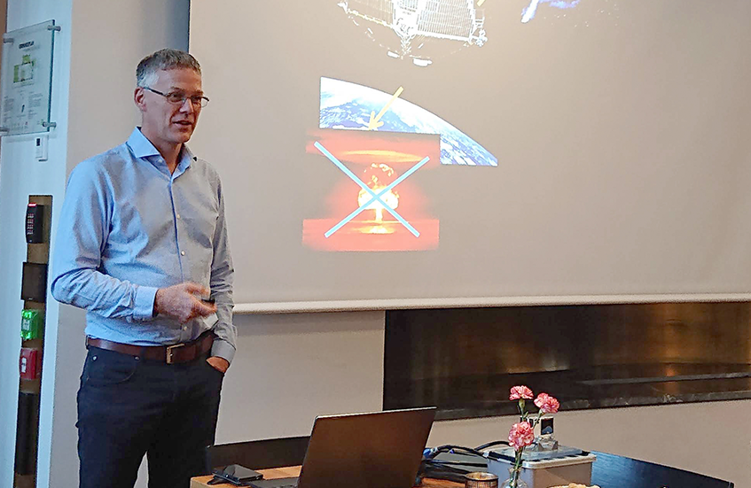Prof. Kjetil Ullaland presents the ASIM project at the Society for the Advancement of Science